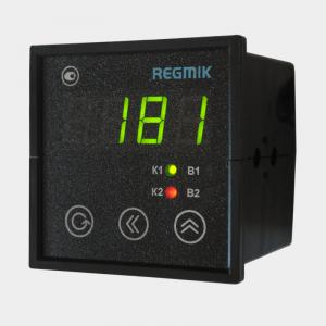 ПИД регулятор двухканальный с аналоговыми выходами щитофой (РП2) с одним индикатором вид сбоку