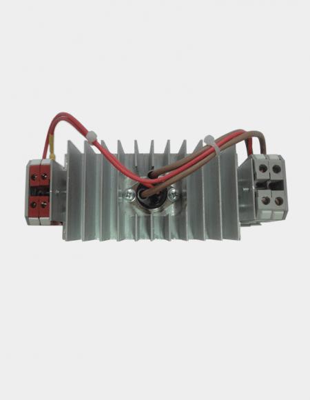 Блок симисторный БС1-40 на радиаторе вид с верху